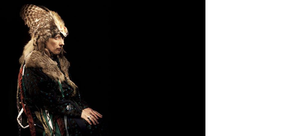 Vera Sakhina. Femme Chamane  sibérienne de Touva.  Gardienne des traditions ancestrales. Membre du cercle de sagesse. Genac, France. 30/04/2016